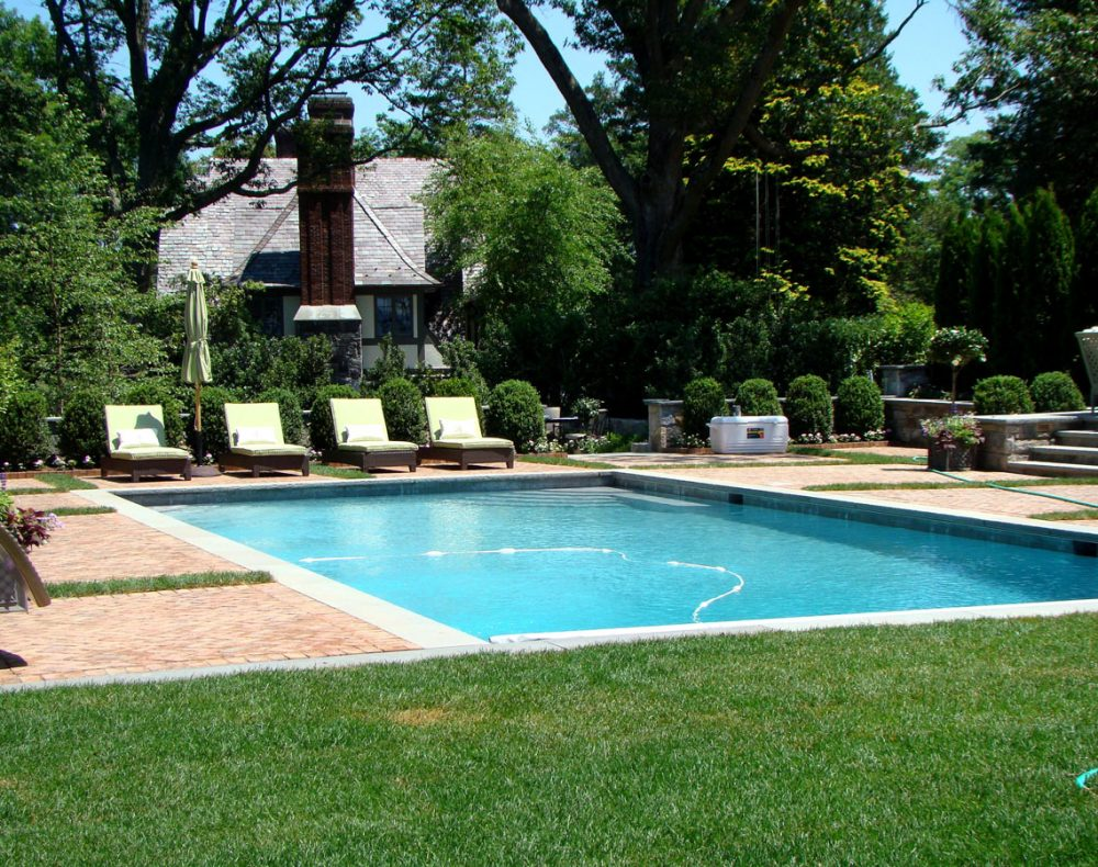 Johnsen Landscapes & Pools designed garden and pool