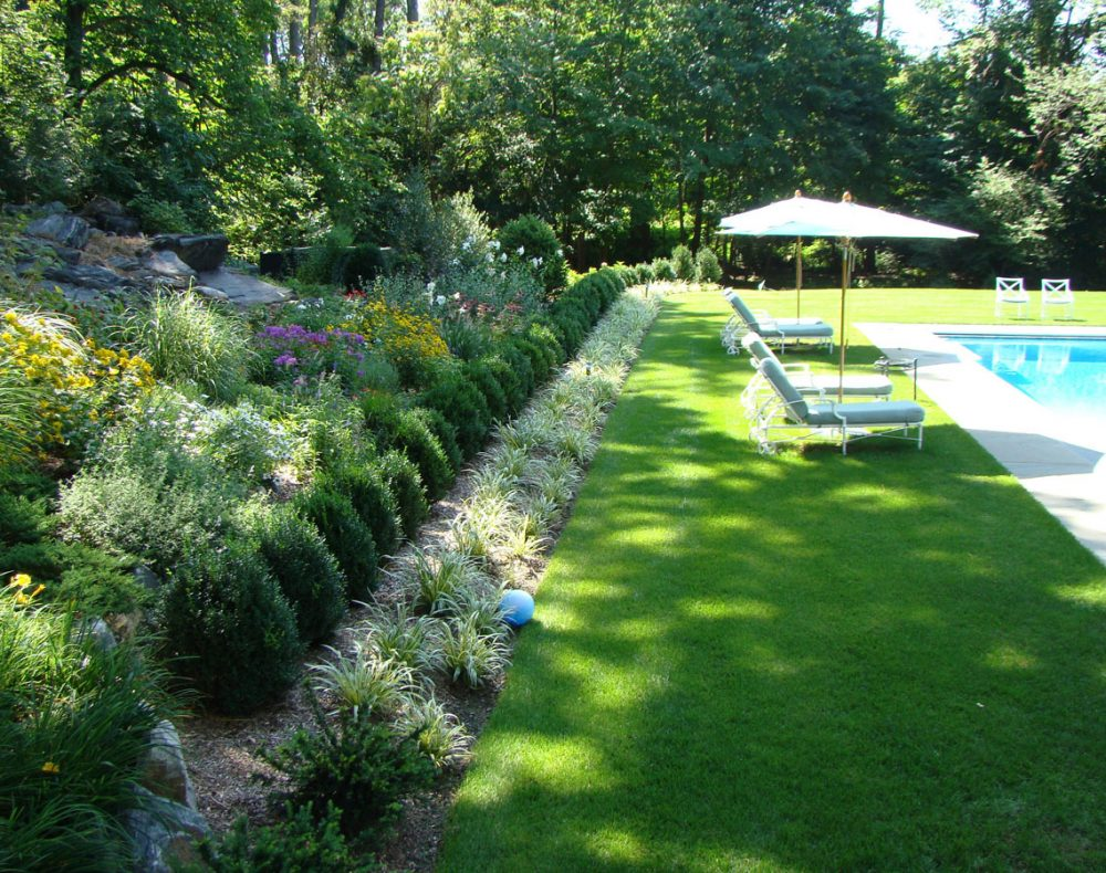 Sleepy Hollow garden and lawn with salt water pool