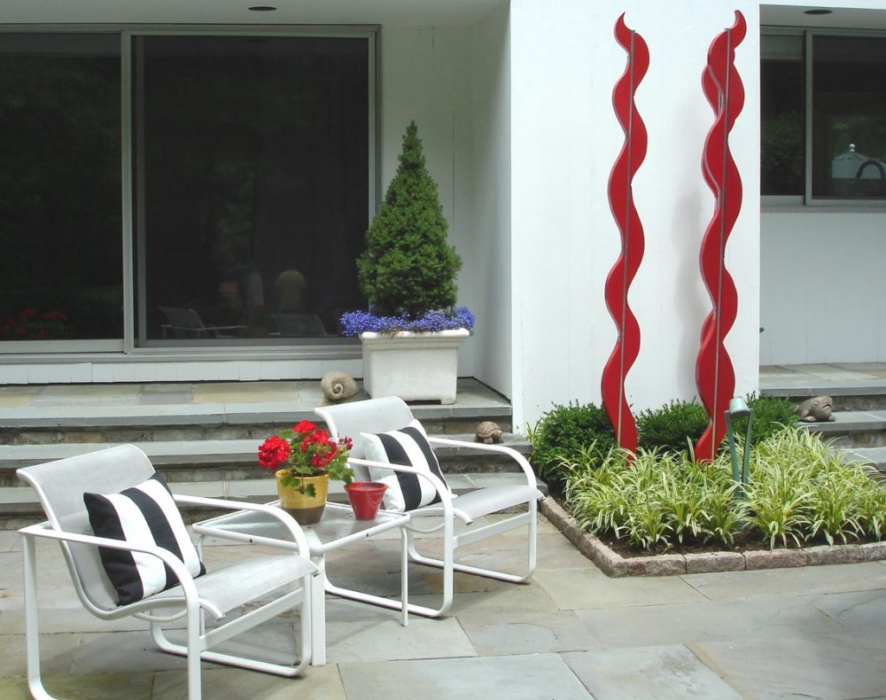 patio with sculpture
